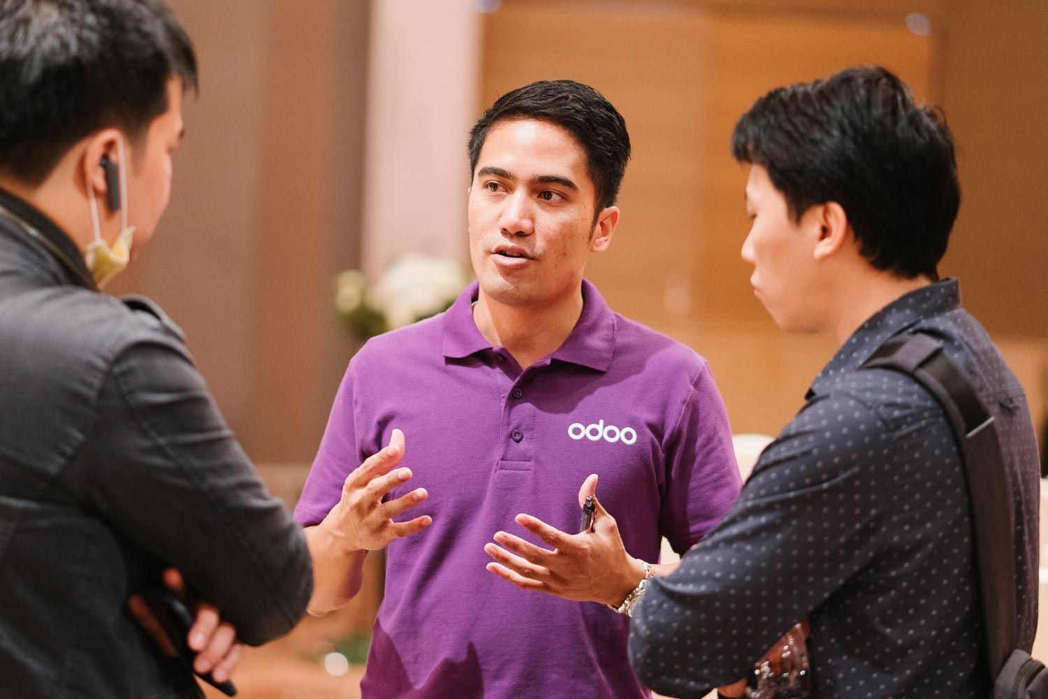 odoo staff talking to customers